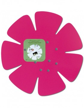 Flower magnet wall in pink from the SHAPE UP series