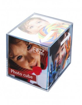 acrylic photo cube for 6 pictures by HENZO
