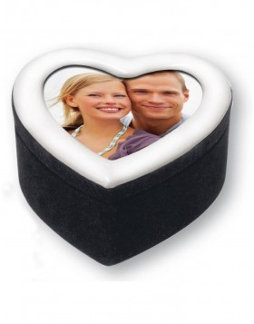 Gift box heart shaped for one picture