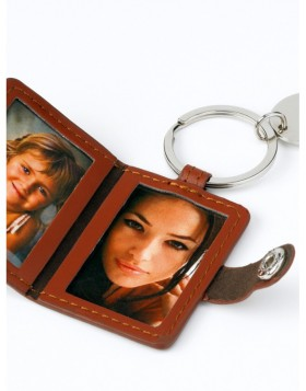 Key ring Travel brown for 2 pictures